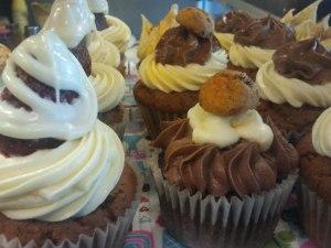 Una renglera perfecta de cupcakes