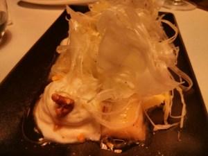 Endívies amb gorgonzola, nois i fruites de la passió
