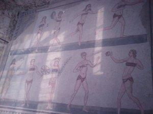 Les noies que juguen a la pilota, mosaic a la romana Vila del Casale