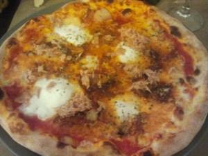 Pizza amb mozzarella de búfala